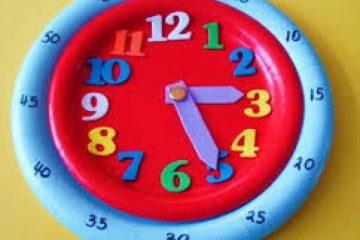 آموزش خواندن ساعت به دانش آموزان پایه دوم دبستان